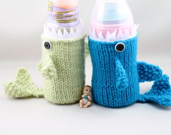 Shark week, Knitted Baby Bottle Shark Cozy, Geeky, Gift for 2N Baby, Gift for Toddler, Friends, Gift for Mom to be, Baby Shower, Sport Drink