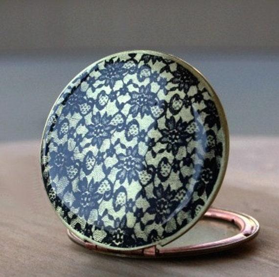Lace Locket - flower,image,print,weddings,bridal,something old,black,art,vintage,brass,locket