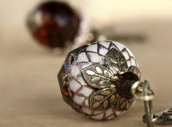Acorn earrings - Autumn,Fall,brown,Ivory,burgundy,Swarovski Crystal,Squirrel,Halloween,pumkin,spice,Glass,Weddings,Bridesmaid,Brass,Earrings