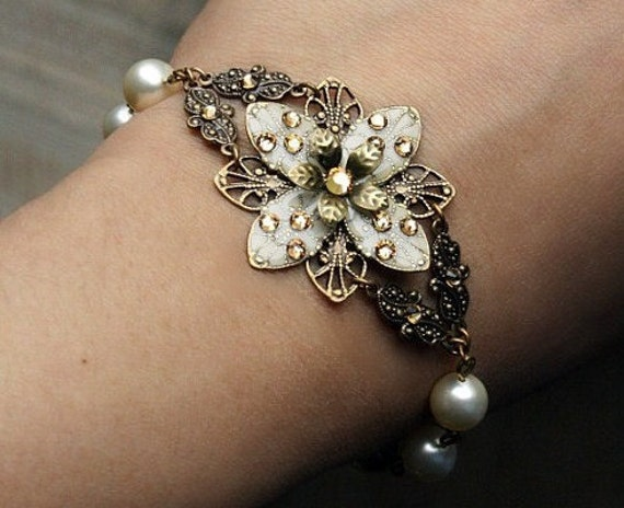 Bridesmaid bridal SET bracelet earrings Ivory flower bracelet swarovski crystal czech glass
