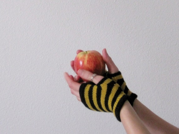 Tiny Bees Mini Fingerless Gloves in Black and Yellow Silk and Wool - Fingerless Gloves or Instant Halloween Costume