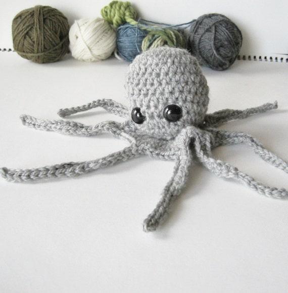 Yarnoctopus - Handmade Wool Octopus Amigurumi Plush in Grey Heather