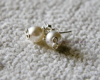 Wire Jewelry Tutorial - Pearl Studs Earrings, DCHMT003