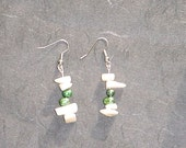 Mother of Pearl and Green Pearl Earrings - Nat
