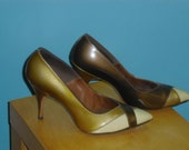 Exceptional 1950s Tan Tri Color Patent Stilettos Shoes by Mannequins 9 inch inside measurement length