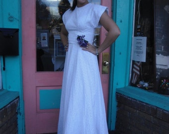 Vintage Wedding Dress Graduation Sensational 1930s or 40s White Eyelet Gown Vintage Buttons 34 B  a great informal Wedding Dress