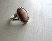 vintage mother of pearl sterling silver ring : size 6 artisan made stamped