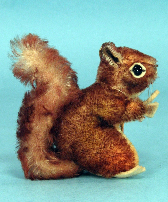 4 inch 1960's vintage Steiff Perri tipped mohair squirrel