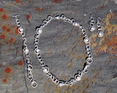 A River Runs Through It - Silver Mesh Pearl Necklace, Bracelet, and Earrings Set