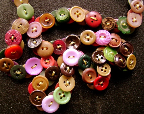 Vintage Button Eyeglass Chain - Fall and Winter Warmth