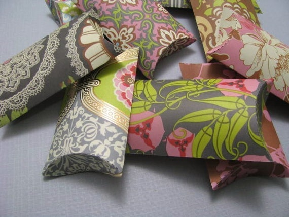 Party Favor Pillow Gift Boxes Set of 9, Amy Butler Paper