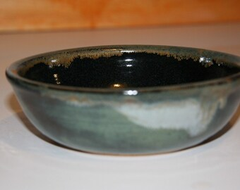 HANDMADE, pottery, ceramic, stoneware dish/ soup, serving,  salad bowl...B34