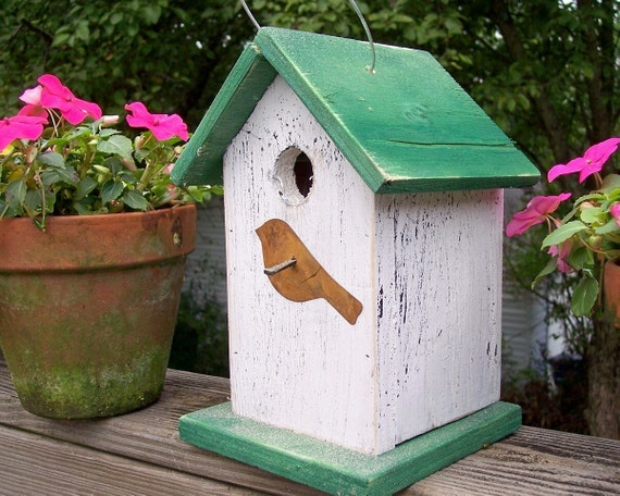 Primitive Birdhouse With Rusty Bird White with Green Roof and Base