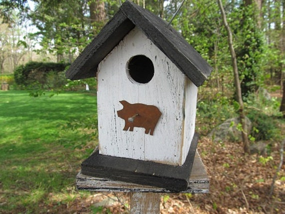 Primitive Birdhouse White Black Roof and Base with Rusty Pig New Item