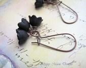 Black earrings - flower earrings - dangle drop earrings - nature jewelry