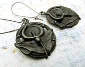 Calla Lily flower earrings black earrings Black Patina jewelry