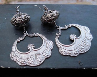 Gunmetal Spanish Dancer earrings - chandelier earrings