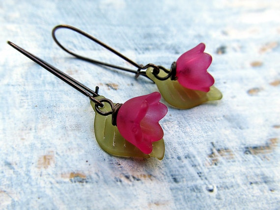 Small flower earrings Pink Green  spring fashion Nature jewelry