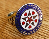 Pennsylvania Dutch Hex Sign Ring, 1950s Vintage Hoffman Enamel Heart and Compass Ring, Mid Century Rare Collectors Item, Unisex Silver Ring