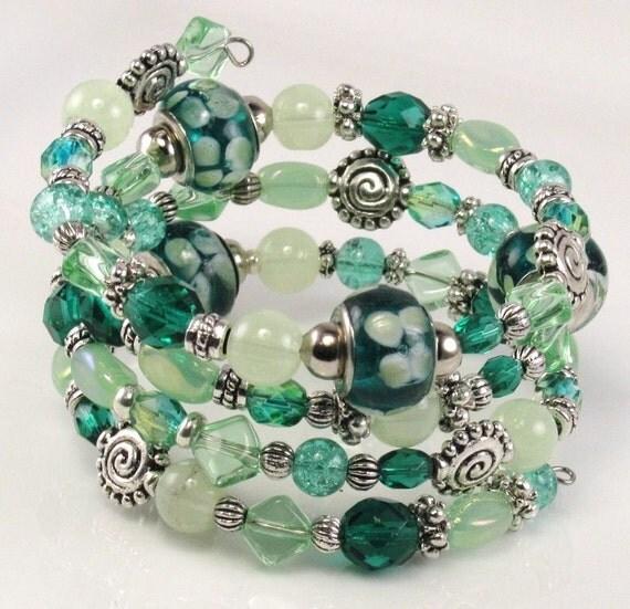 Beaded Bracelet LIME LICIOUS Glass Beaded Memory Wire Bracelet