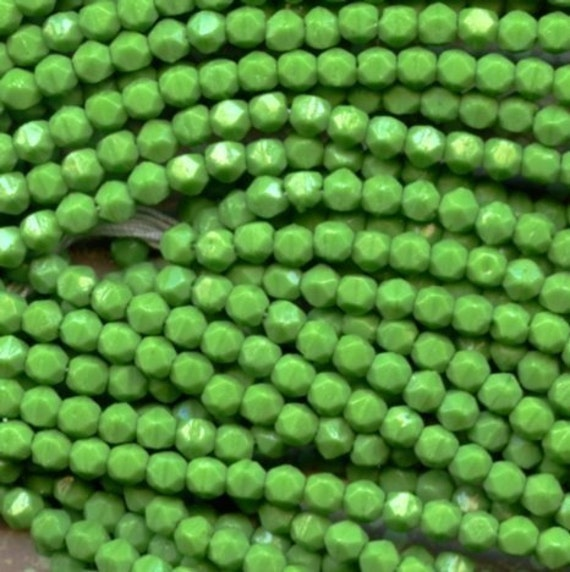 Reserved for Susan D-600 Beads Deco Green English Cuts 4mm
