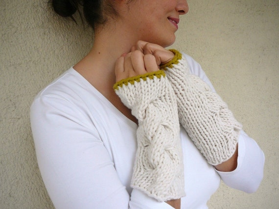 White Cable Knit Gloves With Citrine Edges