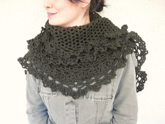 Winter SALE %40 Green Shawl With Lace