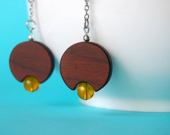 Retro lamp earrings - wood and glass beads earrings