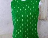 BLACK FRIDAY SALE Kelly Green Cream Dot Sleeveless Sweater Shell 1960s Small