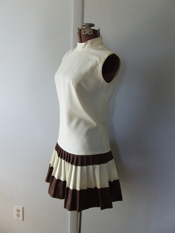 Pava Design 1960's Cream and Brown Stripe Pleated Tennis Dress Sport Preppy Casual Medium