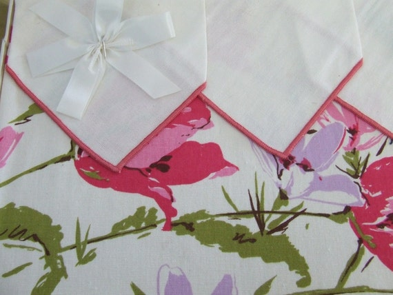 Pink Floral NIB Vintage Tablecloth and Napkin Set 52 inch square