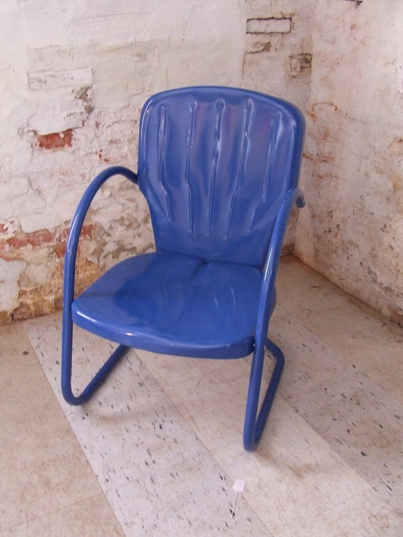 Vintage Metal Lawn Chairs >> Royal Blue Vintage Metal Shell Back Lawn Chair Outdoor Chair