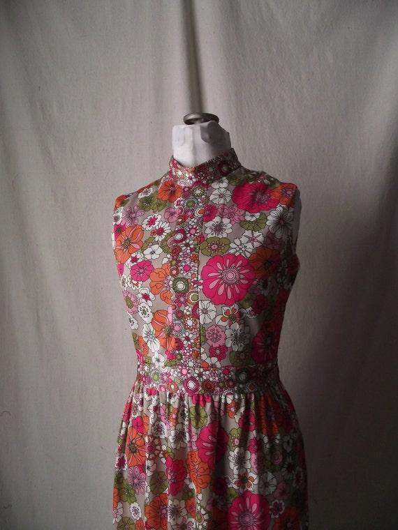 Mod 1960s Dress Sleeveless in Bright Floral Print Medium Emilio Borghese