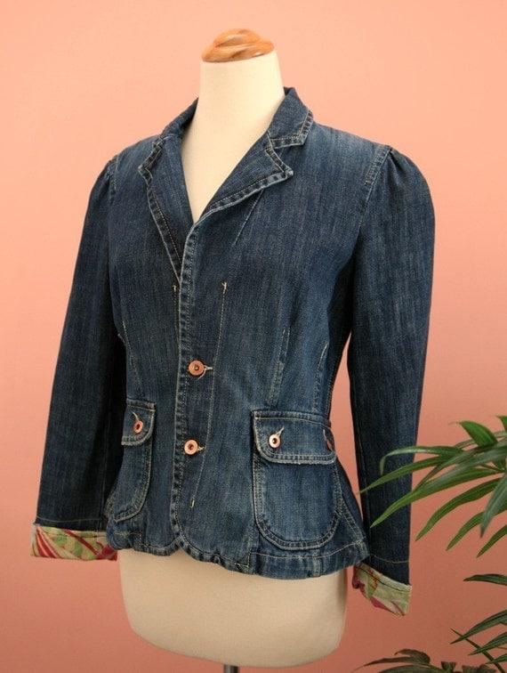 15 DOLLAR SALE - Front Pockets Washed Denim Jacket