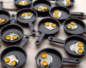 EGGS IN PANS - DOZEN - 12 PLASTIC GUMBALL CHARMS