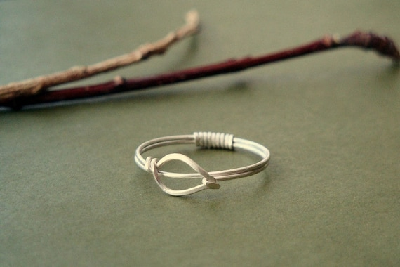 Slim and simple sterling silver leaf ring