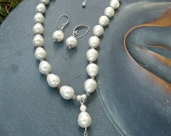 Baroque Pearls and Labradorite Necklace 18""