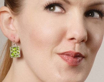 Medium Square bubble earrings in Lime