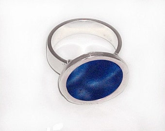 3D effect blue ring