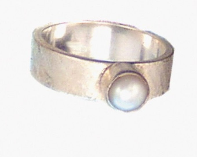 Cream Pearl Ring on Textured Sterling Silver Band