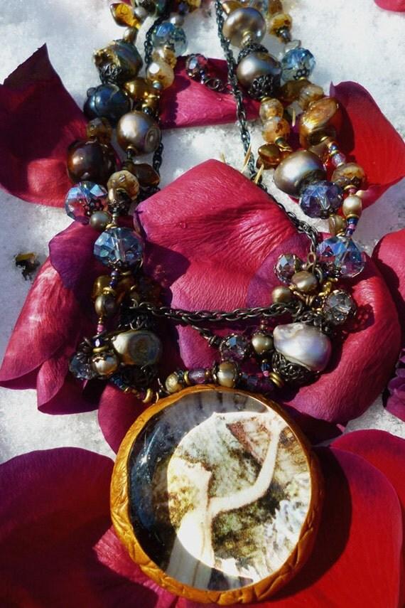 Window Into Faerie necklace