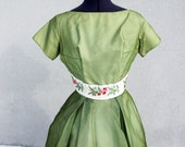 Dreamy 50s Formal Green Prom Dress with Floral embroidery M