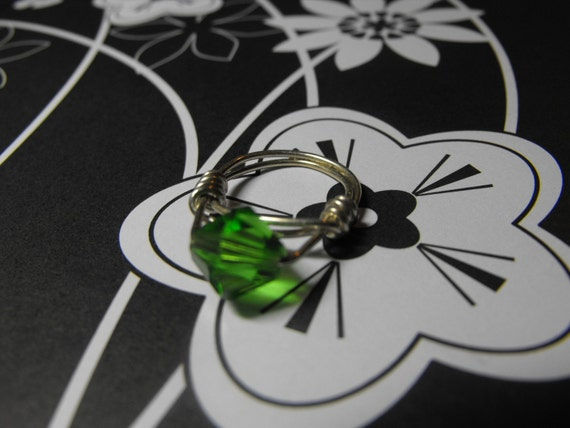 SALE DESTASH Green Swarovski Crystal Center Wire Wrapped Bauble Style Sterling Silver Ring Size 7