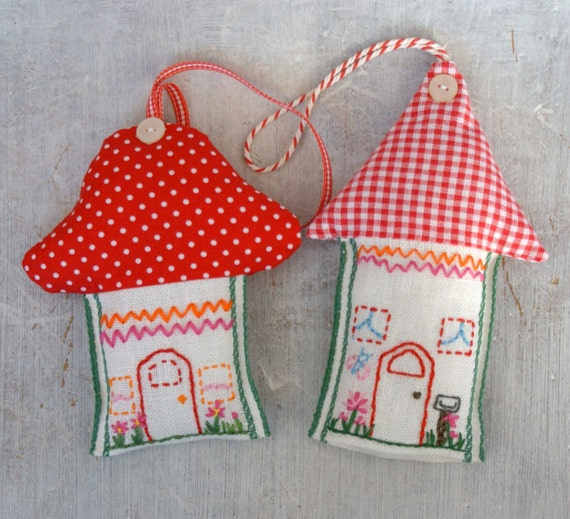 toadstool and house ornament kit