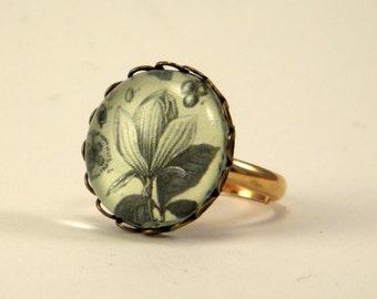 Rustic Petal Botanical Engraving Petite Round Ring