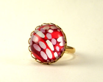 Raspberry Truffle Round Ring