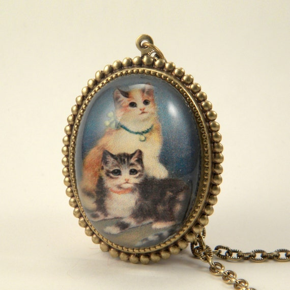 Hello Kitties Deluxe Necklace Cute Kittens waiting for you