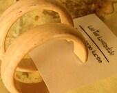 Ivory Hoops | Marbled Off White Hoop Earrings | vintage lucite midi hoop earrings | Leetie Lovendale  #MID-1BR
