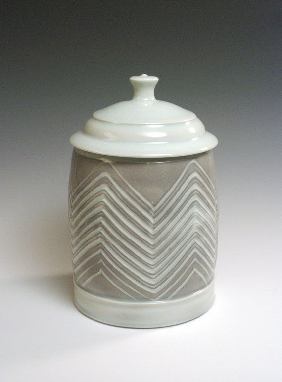 Lidded Cookie Jar with zigzag/ chevron pattern- White and grey/purple