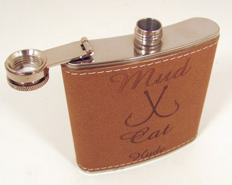 Leather Flask - Personalized Engraving for your Wedding Party - SET OF 5